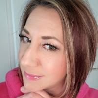 Tabitha Shipley Farmasi Beauty Influencer